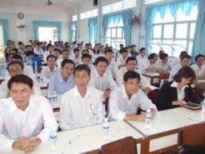 Bộ trưởng Bộ GD&ĐT trả lời về chế độ chính sách cho giáo viên